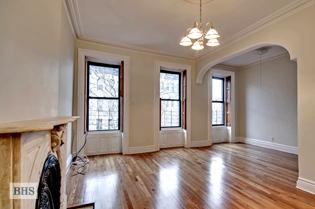 Prime Slope Upper Duplex 4 Bedroom
