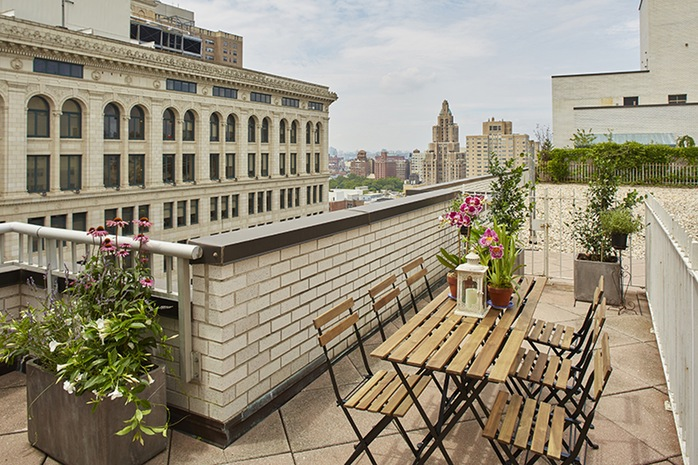 Additional photo for property listing at 70 EAST 10TH STREET  New York, New York,10003 États-Unis