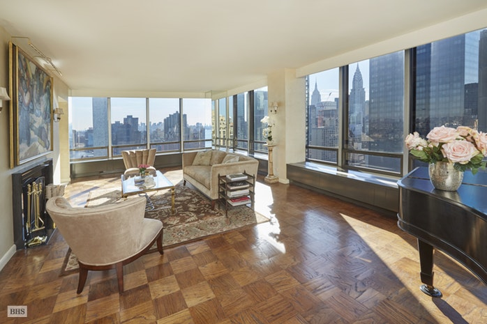 Additional photo for property listing at 870 UNITED NATIONS PLAZA  New York, New York,10017 Amerika Birleşik Devletleri