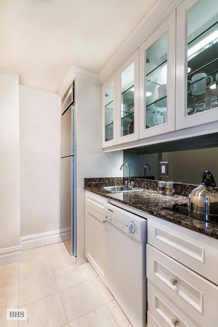 Additional photo for property listing at 28 EAST 63RD STREET 10A  New York, New York,10065 États-Unis