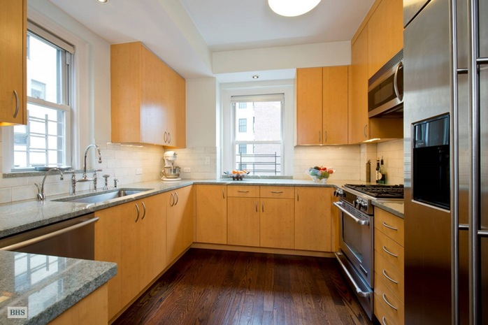Additional photo for property listing at 1035 PARK AVENUE  New York, New York,10028 Stati Uniti