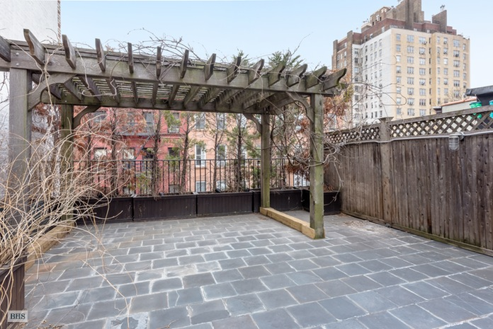 Additional photo for property listing at 149 WEST 10TH STREET  New York, New York,10014 États-Unis