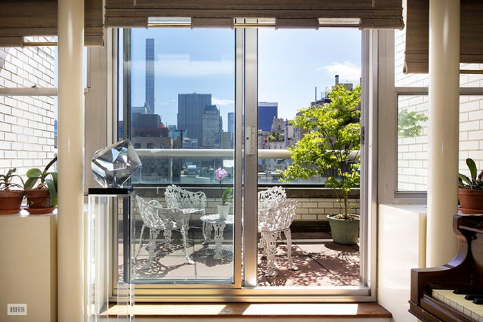 Additional photo for property listing at 10 EAST 70TH STREET  New York, New York,10021 Stati Uniti