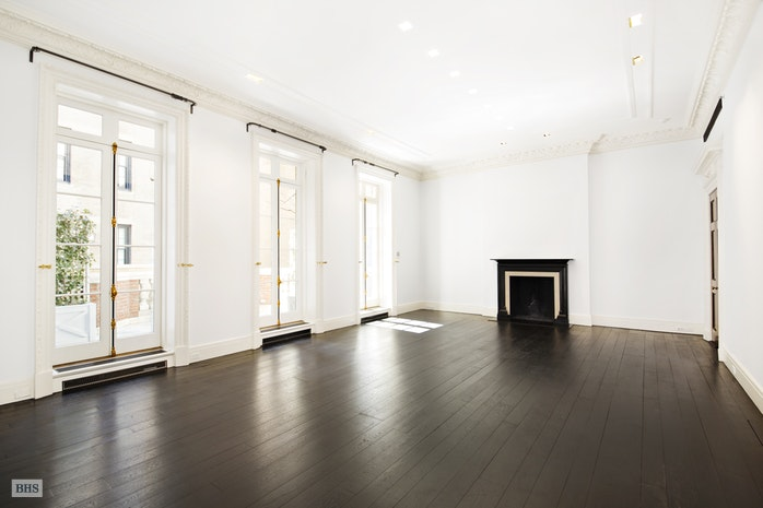 Additional photo for property listing at 16 East 69th Street  New York, New York,10021 Stati Uniti