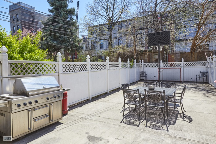Additional photo for property listing at 322 DEGRAW STREET  Brooklyn, New York,11231 États-Unis