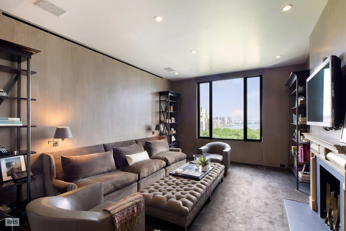 Additional photo for property listing at 10 GRACIE SQUARE  New York, New York,10028 Stati Uniti