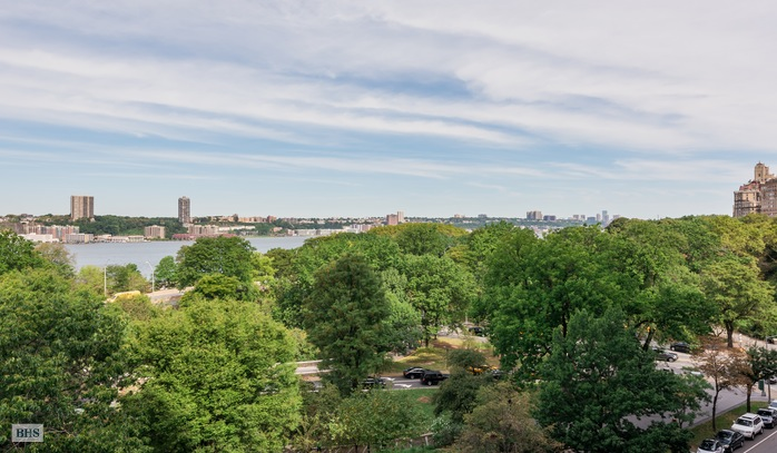Additional photo for property listing at 54 RIVERSIDE DRIVE  New York, Nova York,10024 Estados Unidos