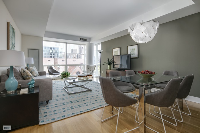 Additional photo for property listing at 2628 BROADWAY  New York, New York,10025 Verenigde Staten