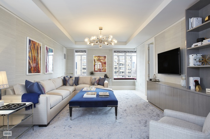 Additional photo for property listing at 21 EAST 61ST STREET  New York, New York,10065 Stati Uniti