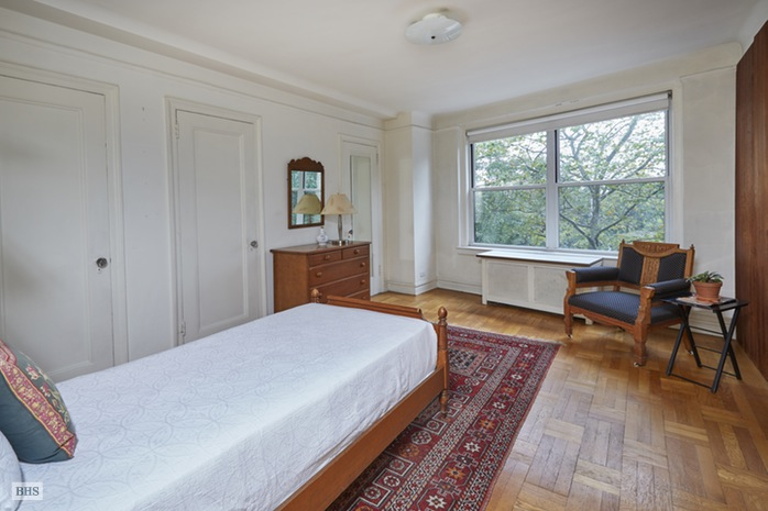 Additional photo for property listing at 285 RIVERSIDE DRIVE  New York, New York,10025 États-Unis