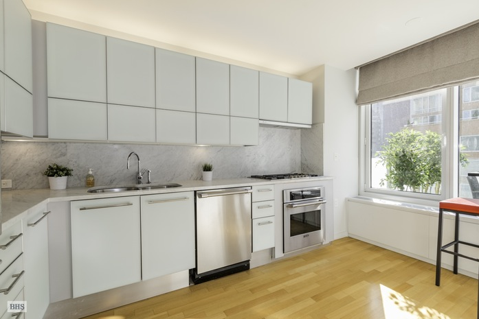 Additional photo for property listing at 310 EAST 53RD STREET  New York, Nueva York,10022 Estados Unidos