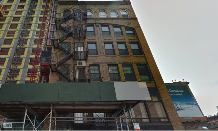 Maison unifamiliale pour l Vente à 356 West 40th Street New York, New York,10018 États-Unis