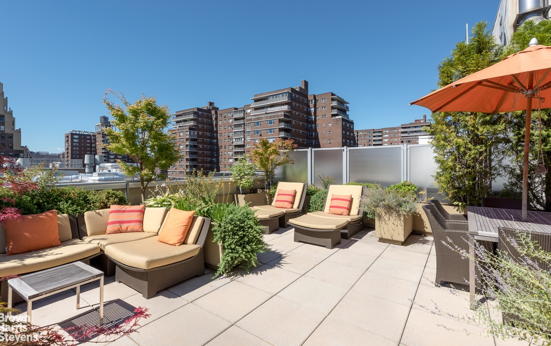 Additional photo for property listing at BY APPOINTMENT ONLY 261 WEST 28TH STREET New York, New York,10001 Stati Uniti