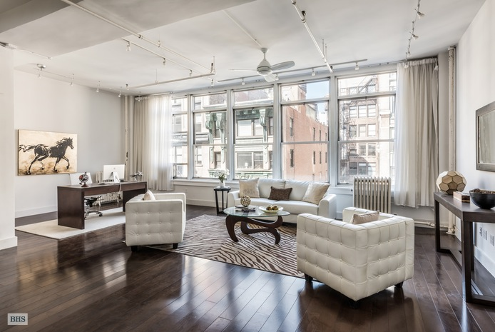 Additional photo for property listing at 12 WEST 17TH STREET  New York, New York,10011 États-Unis