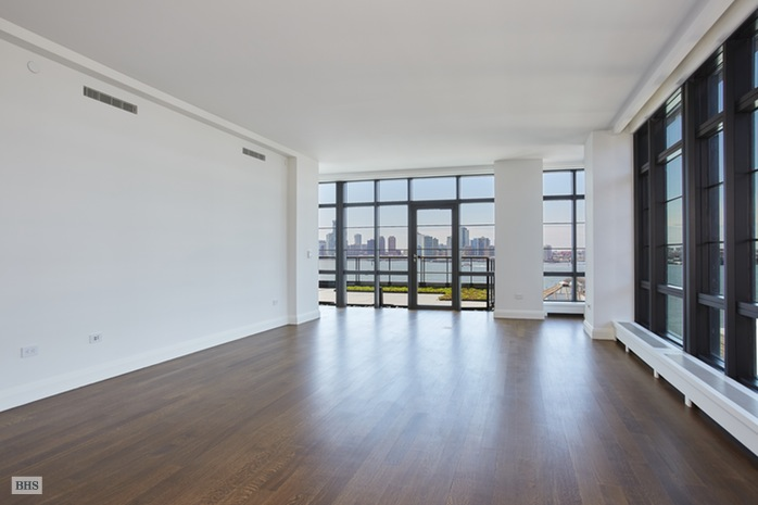 Additional photo for property listing at 150 CHARLES STREET  New York, New York,10014 Stati Uniti
