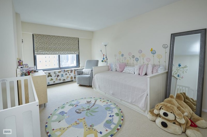 Additional photo for property listing at 200 EAST 61ST STREET  New York, New York,10065 Hoa Kỳ