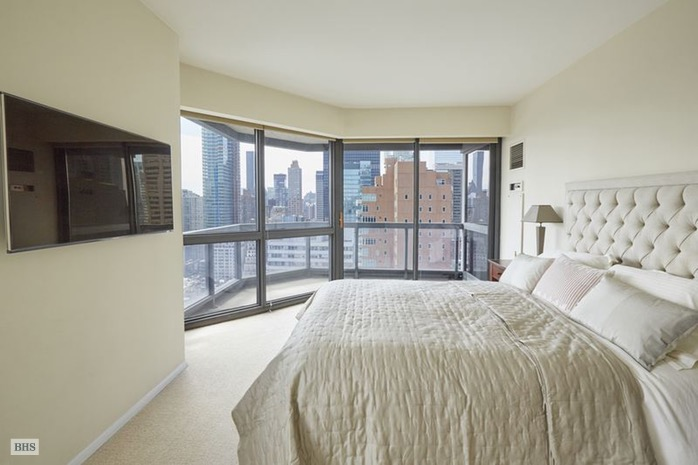 Additional photo for property listing at 200 EAST 61ST STREET  New York, New York,10065 États-Unis