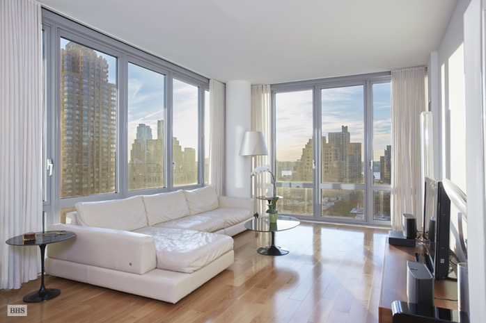 Additional photo for property listing at 310 WEST 52ND STREET  New York, New York,10019 Hoa Kỳ