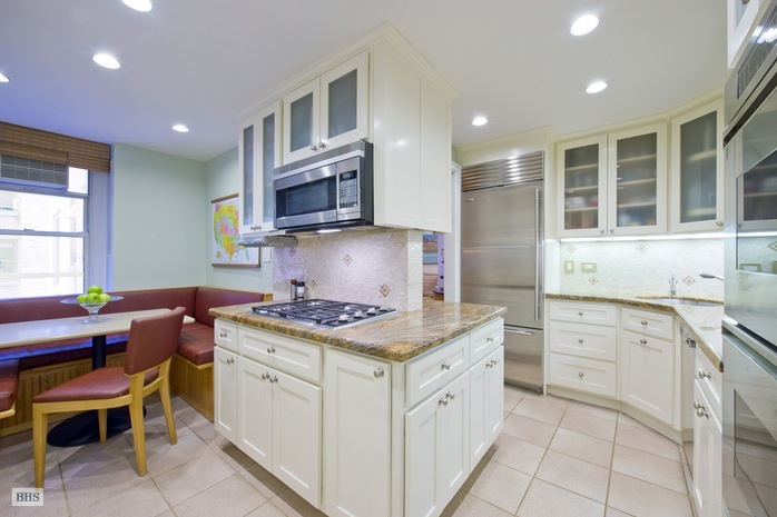 Additional photo for property listing at 70 EAST 96TH STREET  New York, New York,10128 Hoa Kỳ