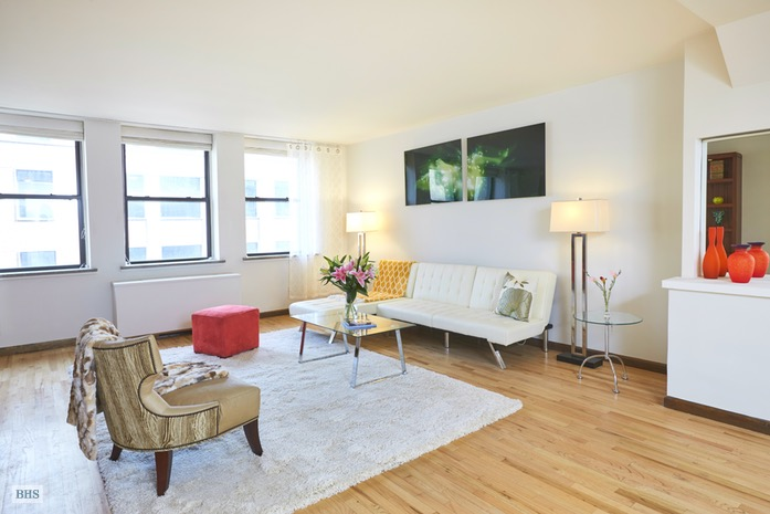 Additional photo for property listing at 18 EAST 12TH STREET 7AD  New York, New York,10003 États-Unis