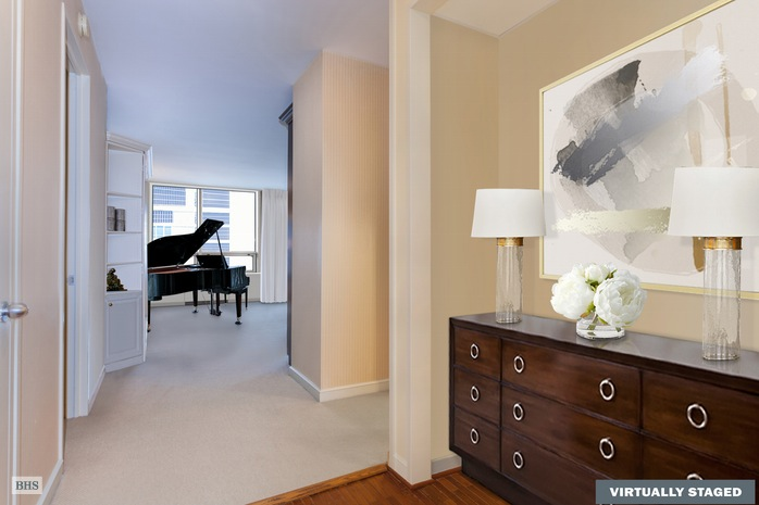 Additional photo for property listing at 15 WEST 53RD STREET  New York, New York,10019 États-Unis