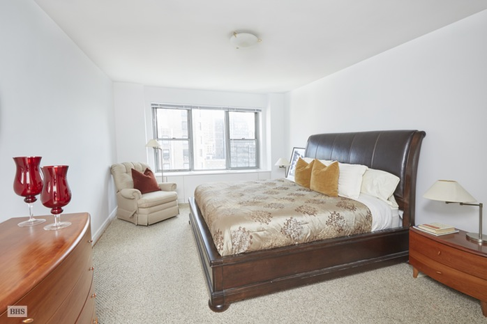 Additional photo for property listing at 2 FIFTH AVENUE  New York, Nova York,10011 Estados Unidos