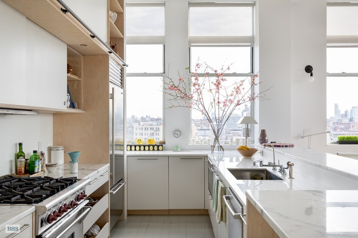 Additional photo for property listing at 60 BROADWAY 8C  Brooklyn, New York,11249 United States