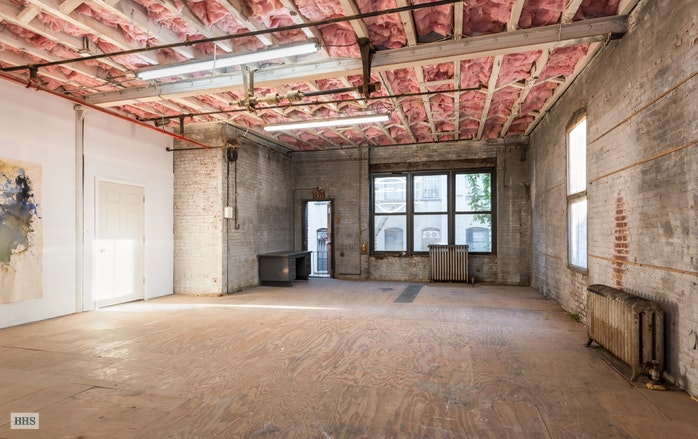 Additional photo for property listing at 345 East 104th Street  New York, New York,10029 Verenigde Staten