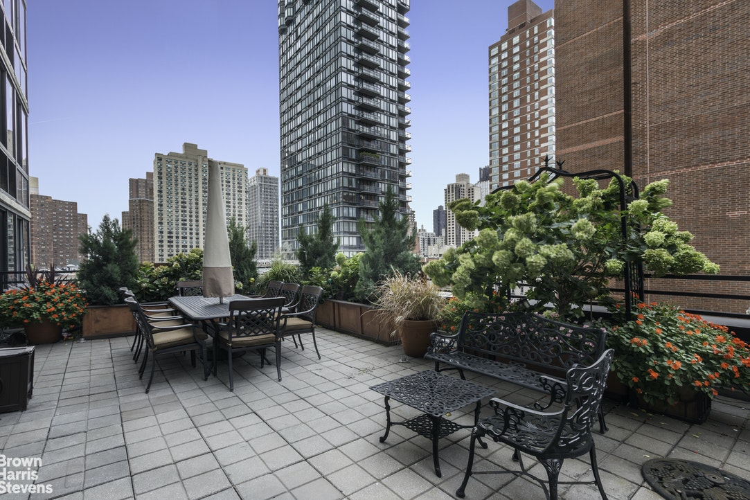 Additional photo for property listing at 245 EAST 93RD STREET  New York, ニューヨーク,10128 アメリカ合衆国