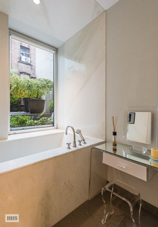 Additional photo for property listing at 94 THOMPSON STREET 2F  New York, New York,10012 États-Unis