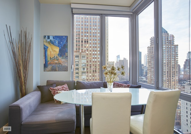 310 West 52nd Street, Midtown West, NYC, $2,425,000, Web #: 16044703