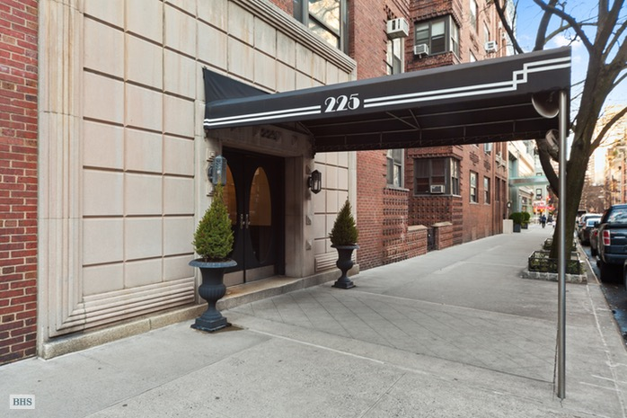 225 East 74th Street, Upper East Side, NYC, $400,000, Web #: 16114087