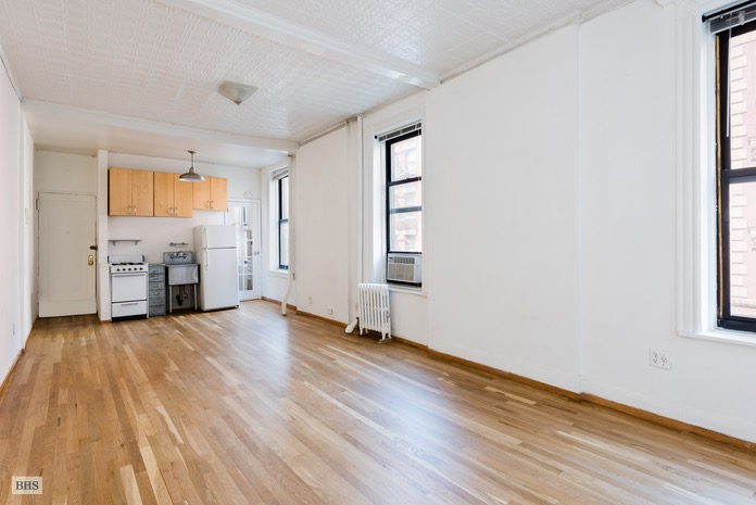 214 Mulberry Street, Soho, NYC, $699,000, Web #: 16152305