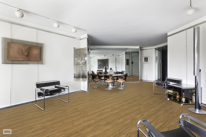 Cooperativa por un Venta en 785 Fifth Avenue, Upper East Side Corner Apartment New York, Nueva York,10022 Estados Unidos