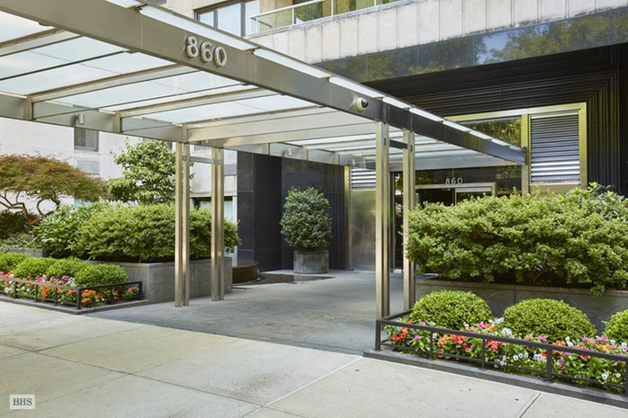 860 Fifth Avenue, Upper East Side, NYC, $3,500,000, Web #: 16362181
