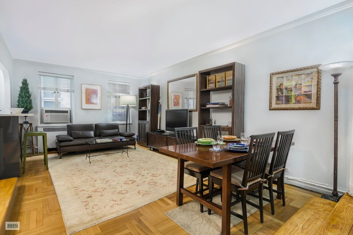 155 West 20th Street, Chelsea, NYC, $1,044,000, Web #: 16538823