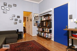 1 Bedroom Charmer Prime Brooklyn Hts
