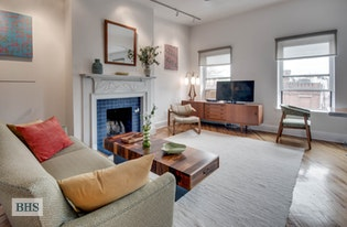 Brownstone 2 bed/1 bath w roof deck