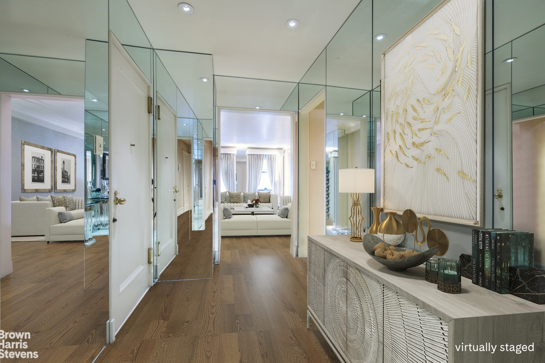 29 East 64th Street 7C, Upper East Side, NYC, $2,595,000, Web #: 17467398