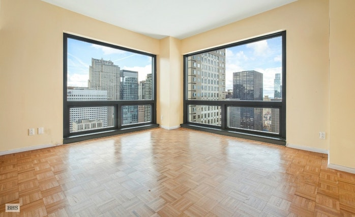 721 Fifth Avenue, Midtown East, NYC, $2,800,000, Web #: 17592503