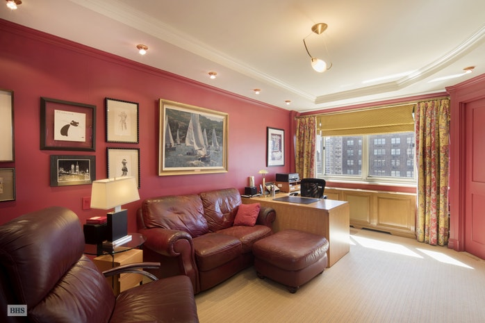 203 East 72nd Street 24B, Upper East Side, NYC, $2,700,000, Web #: 17830836