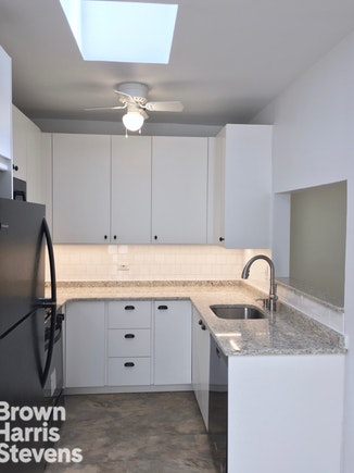 579 5th Street 3, Park Slope, New York, $4,750, Web #: 18026160