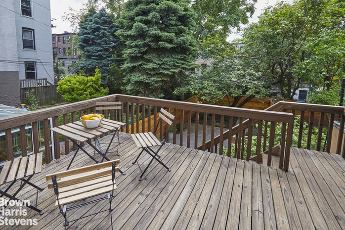 106 Garfield Place Townhouse, Park Slope, New York, $11,500, Web #: 18592790