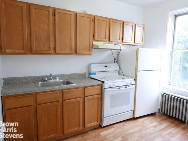 466 50th Street 3, Sunset Park, New York, $1,900, Web #: 18597450