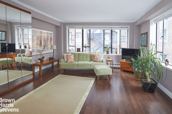 15 West 12th Street 12E, Central Village, NYC, $499,000, Web #: 18624810
