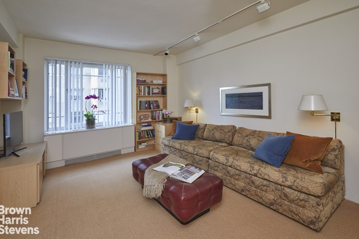 880 Fifth Avenue 14G, Upper East Side, NYC, $4,300,000, Web #: 18628437