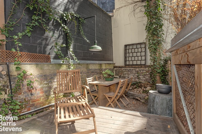92 Bank Street 1, West Village, NYC, $11,000, Web #: 18645213