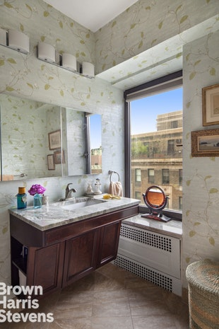 19 East 88th Street 15D, Upper East Side, NYC, $5,000,000, Web #: 18676331