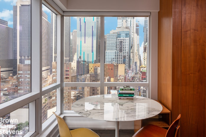 350 West 42nd Street 23D, Midtown West, NYC, $1,195,000, Web #: 18879601