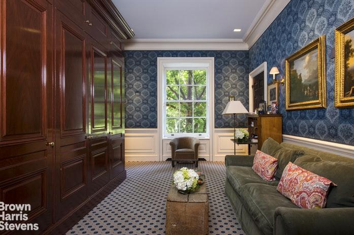 960 Fifth Avenue Interior Photo